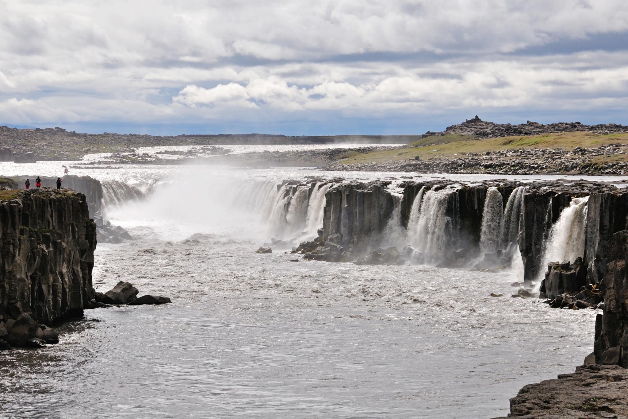 HOELLINGER Sabine - Expo 2017 - Projection 3 - La cascade Selfoss (Islande)