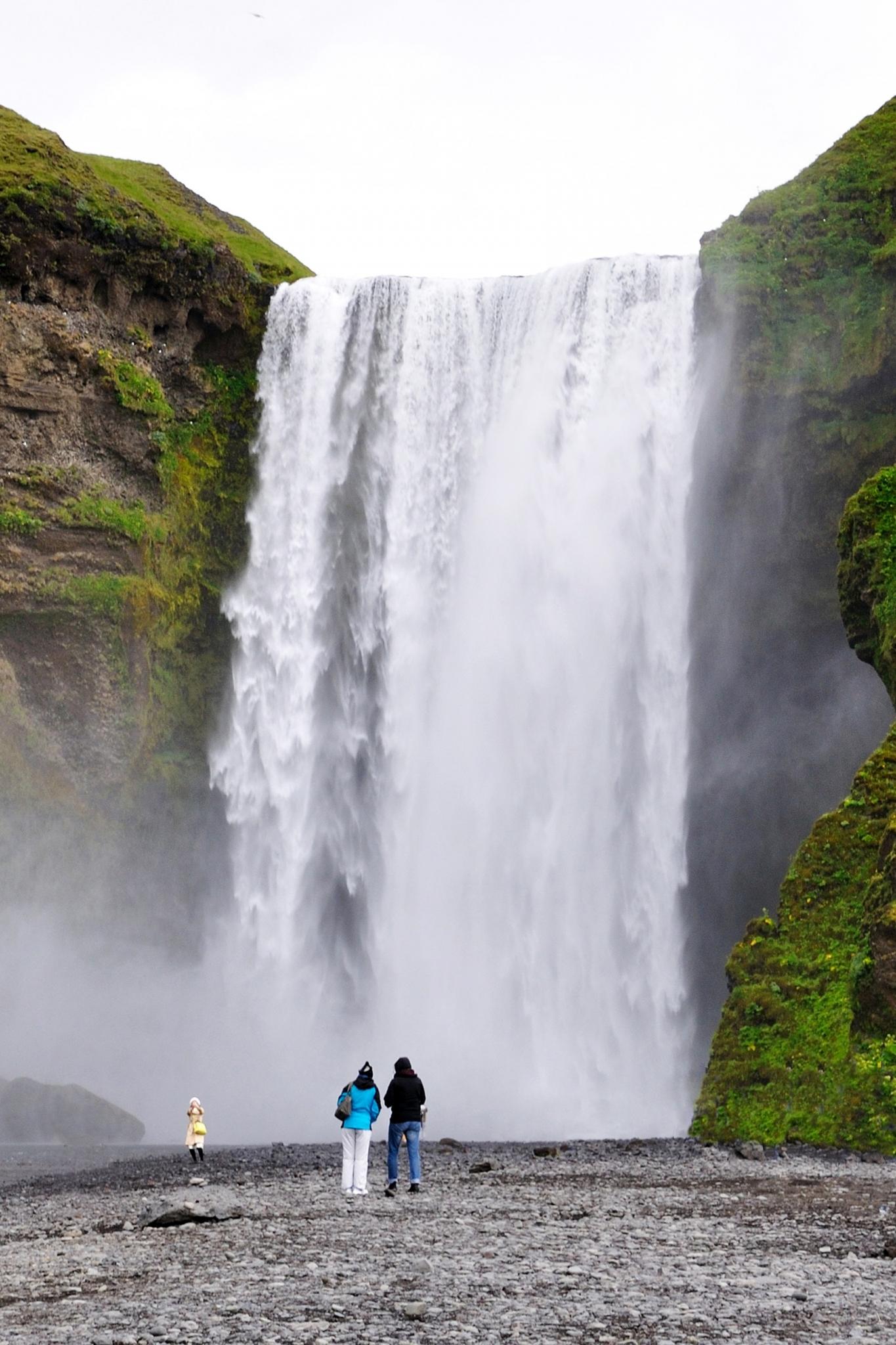 HOELLINGER Sabine - Expo 2017 - Projection 4 - La cascade Skógafoss (Islande)