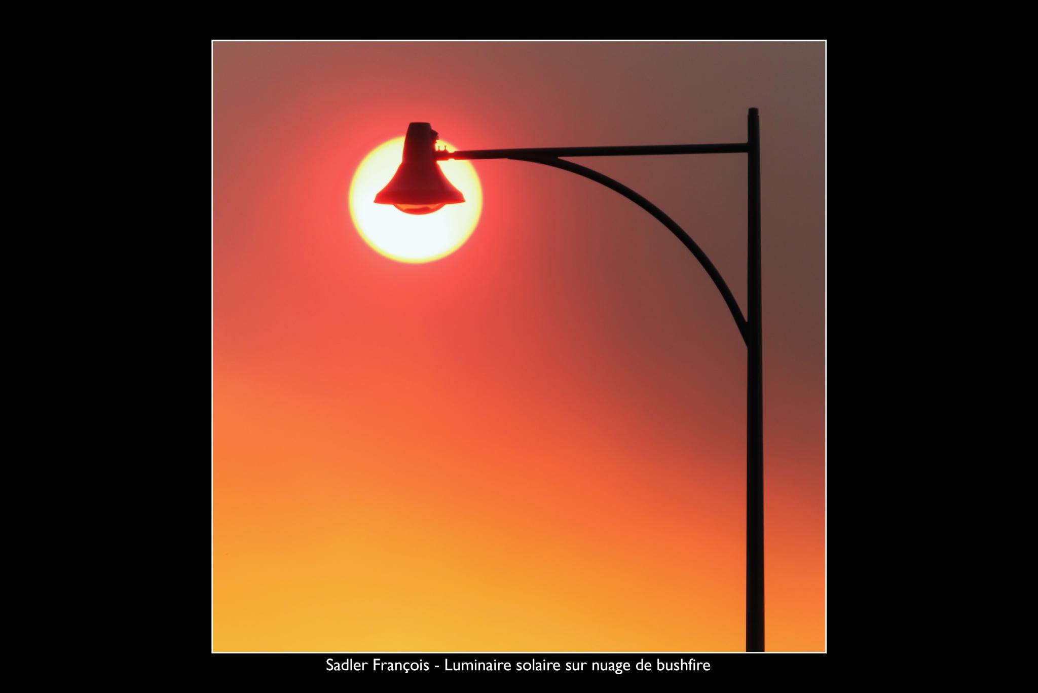 SADLER François - Expo 2018 - Papier 5 - Luminaire solaire sur nuage de bushfire