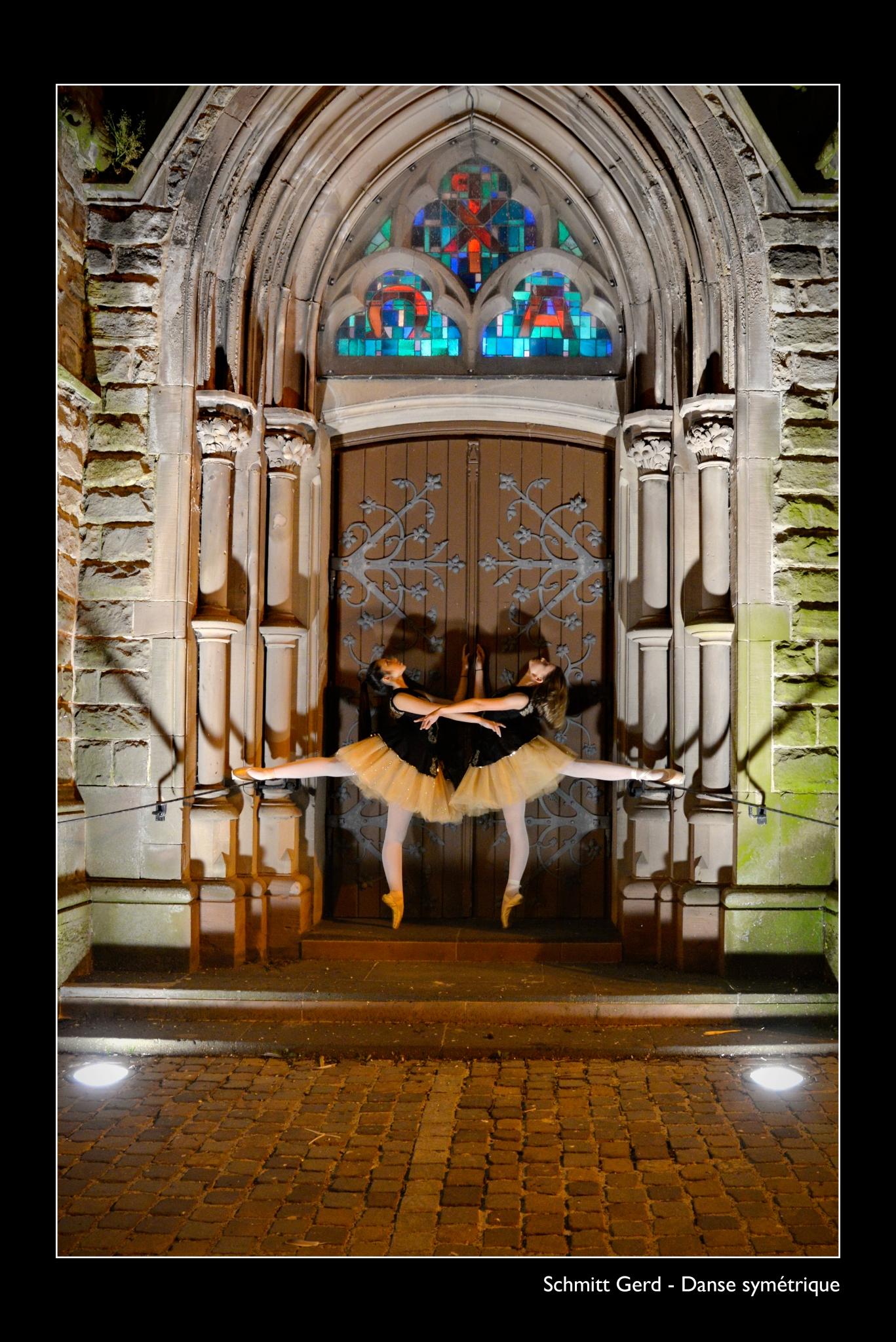 SCHMITT Gerd - Expo 2018 - Papier 3 - Danse symétrique
