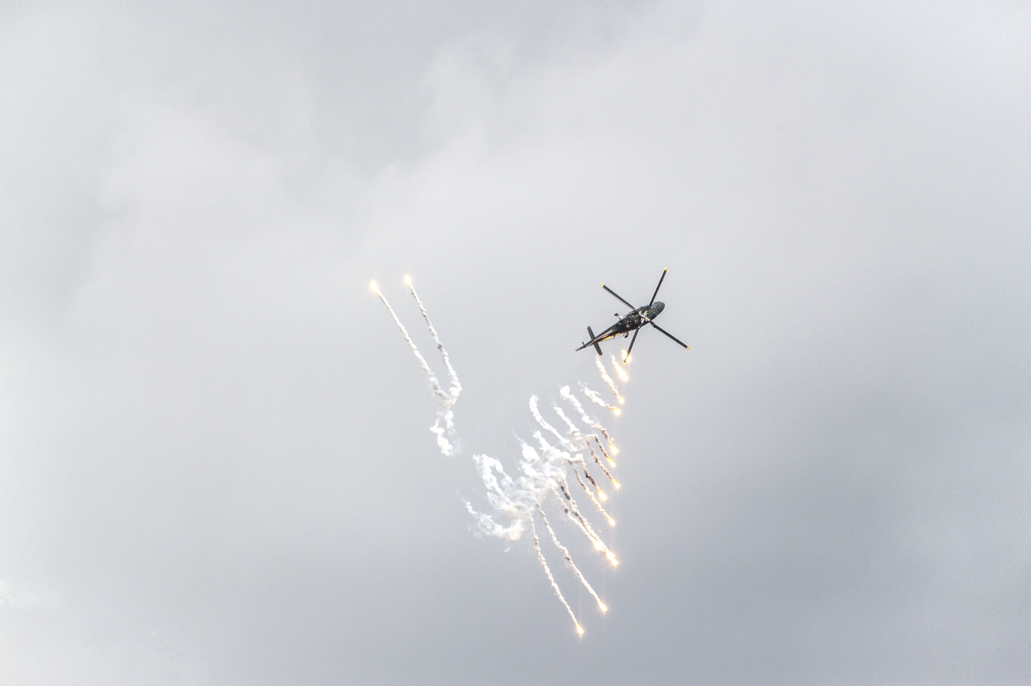 TONI-Raphael-Expo-2019-Projection-3-Déluge-de-feu